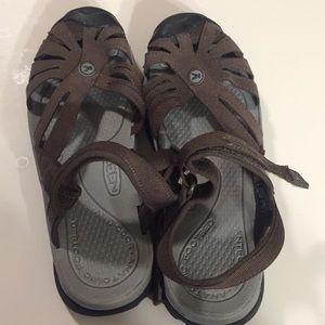 Woman's Brown Keen Sandals